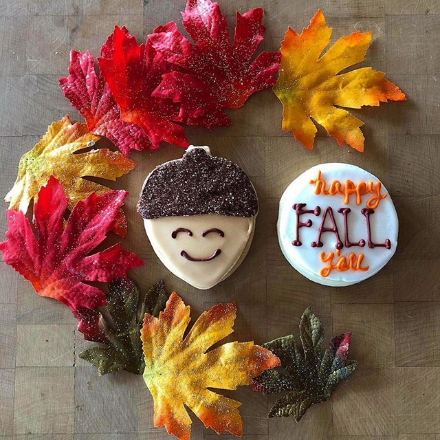 Check out these adorable cookies from @bakedbyamys 🐿🍁🍂 Pick up a cookie pack at your local Amy's! Available while supplies last 😍