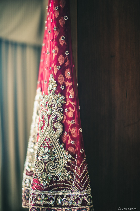 Beautiful traditional Indian ceremonial gown at the Grandover Resort in Greensboro. Image by Vesic Photography.
