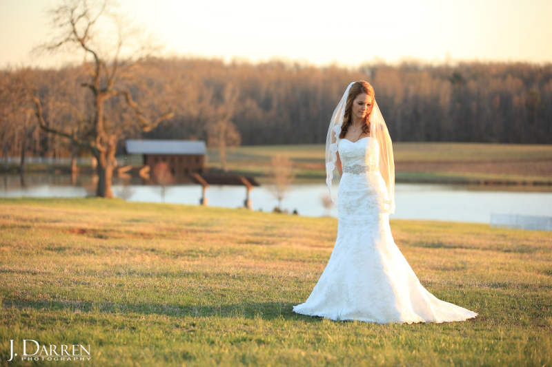 Jennifer looks gorgeous in her ivory wedding gown at her Adaumont Farm bridal session with J. Darren Photography, a Greensboro wedding photographer and a TriadWeddings vendor.