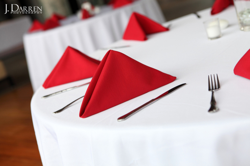 reception details, red napkin table settings, urban venue, Lofts at Union Square.