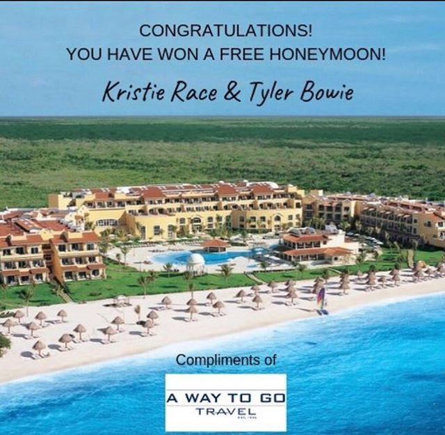 Whooo hoooo! So excited for Kristie and Tyler! Enjoy your #honeymoon compliments of @awaytogotravel and thank you for joining us at #MarryMe! 💞🥂😍🎉