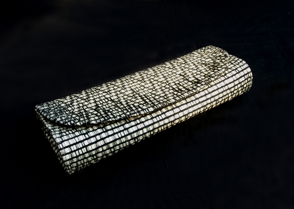 black and white clutch 2.jpg