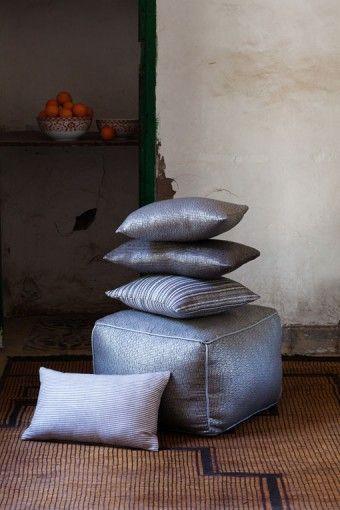 coussins-gris-atelier-nihal-shoppping-marrakech.jpg