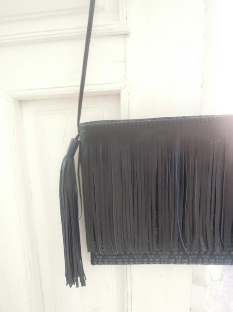 K1 - Two Pompons Bag w/ Fringe