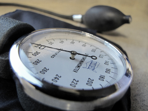 51/365 (sphygmomanometer) by jasleen_kaur, http://www.flickr.com/photos/jasleen_kaur/4388052026/