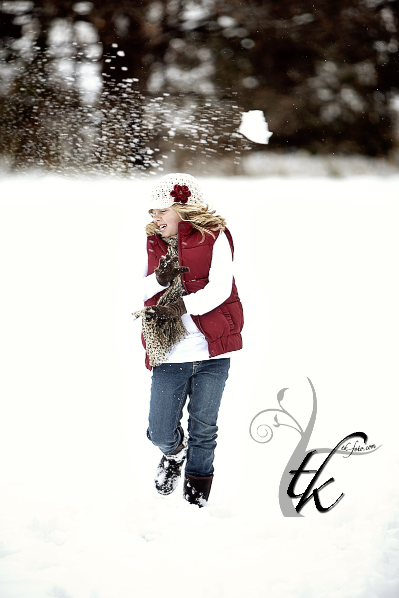 Snowball Blooper - Boise Family Photographer