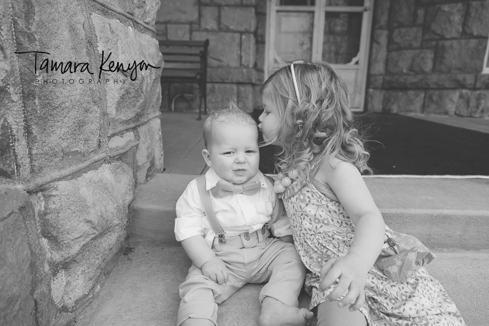 Sibling_Kisses