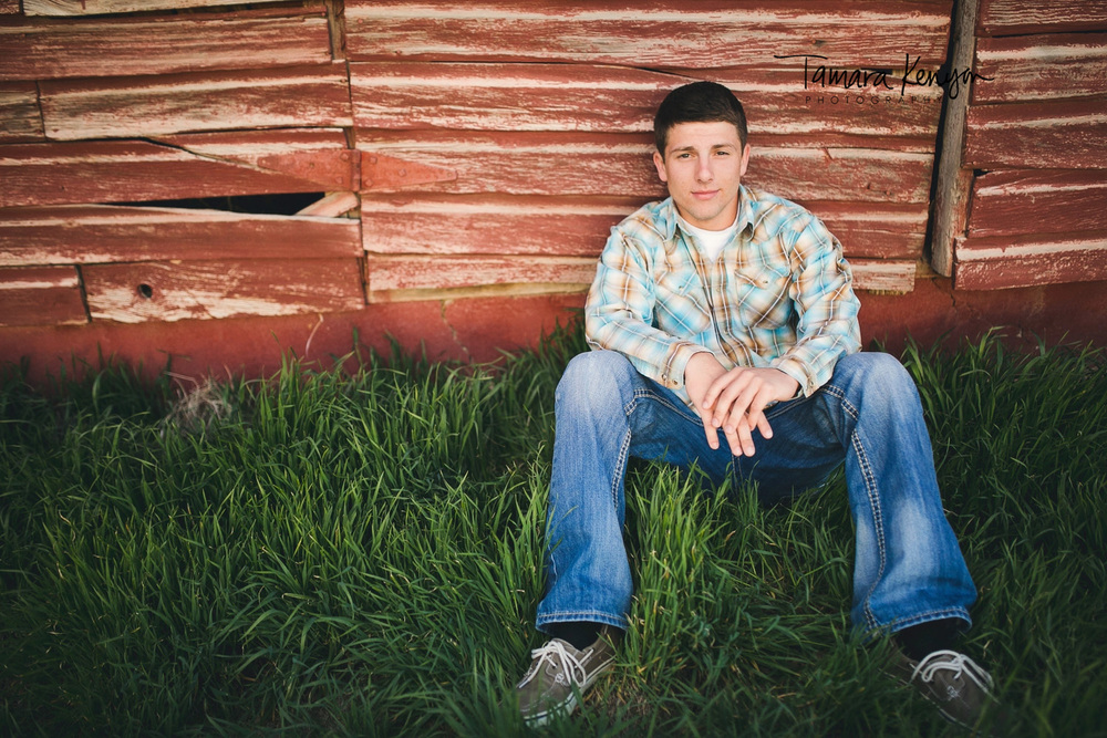 senior_photos_barn_idaho