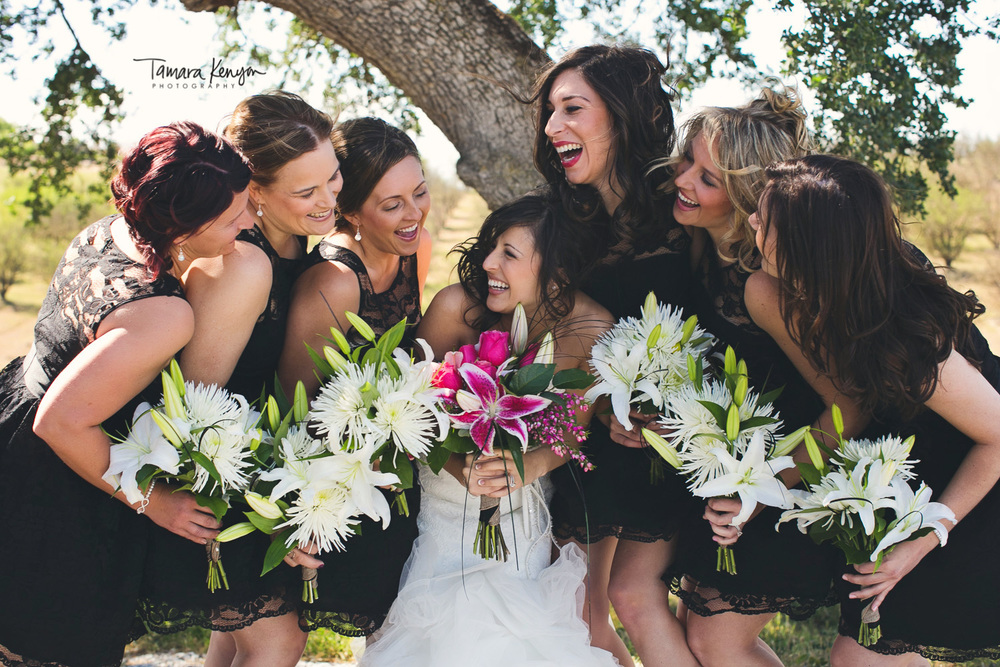 bridesmaids_laughing_boise_wedding_photographer