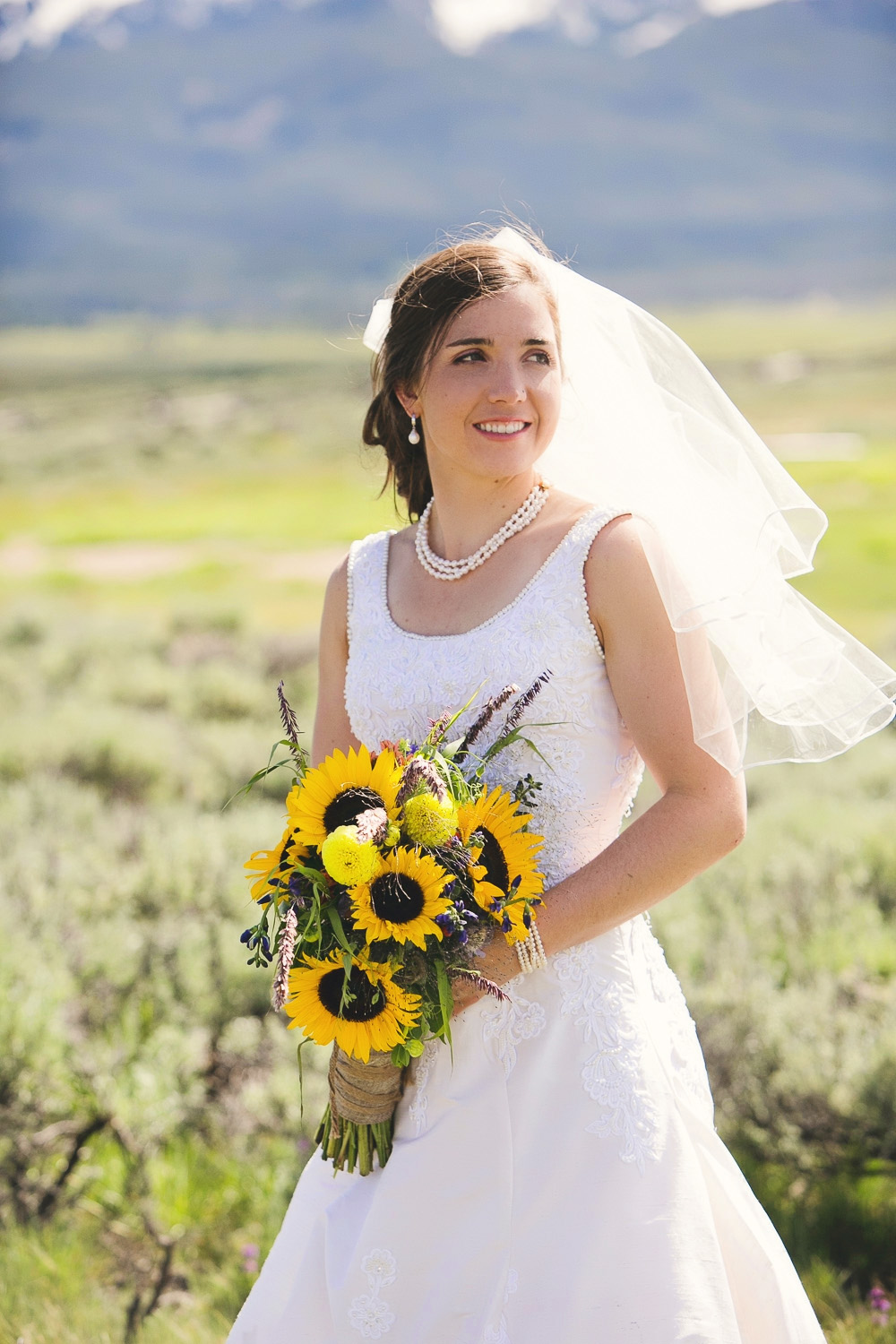 bride in the sawtooth mountains idaho