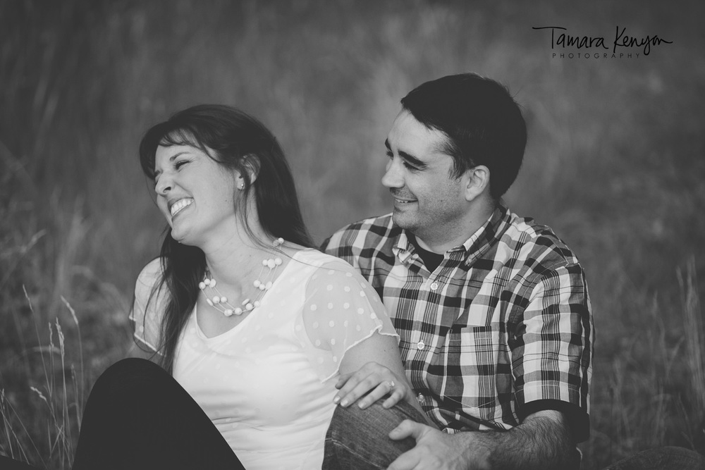 engagement session in a field boise
