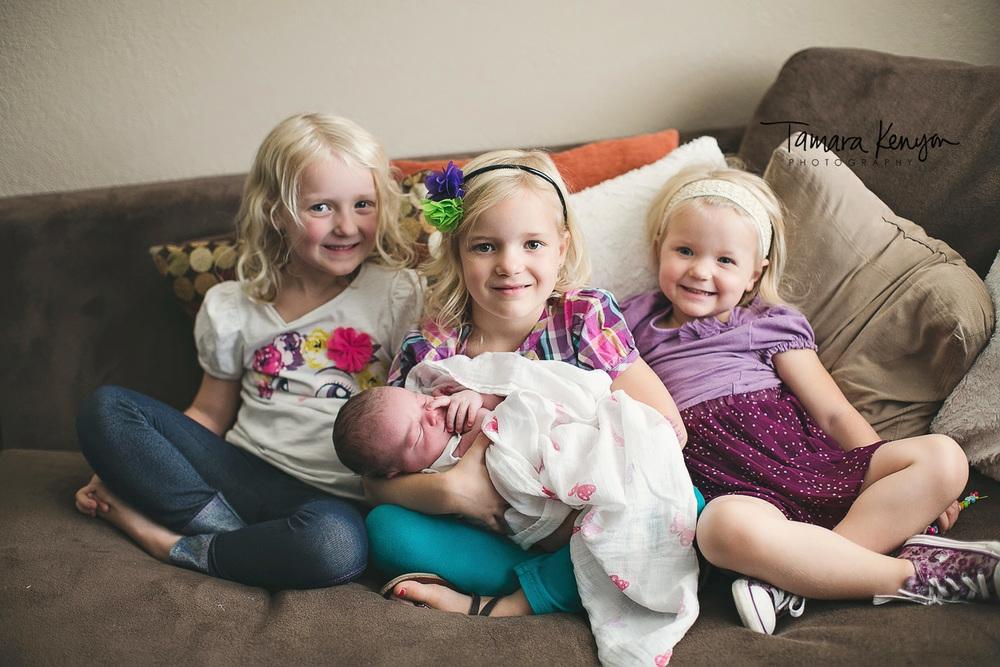 lifestyle newborn photographer in boise