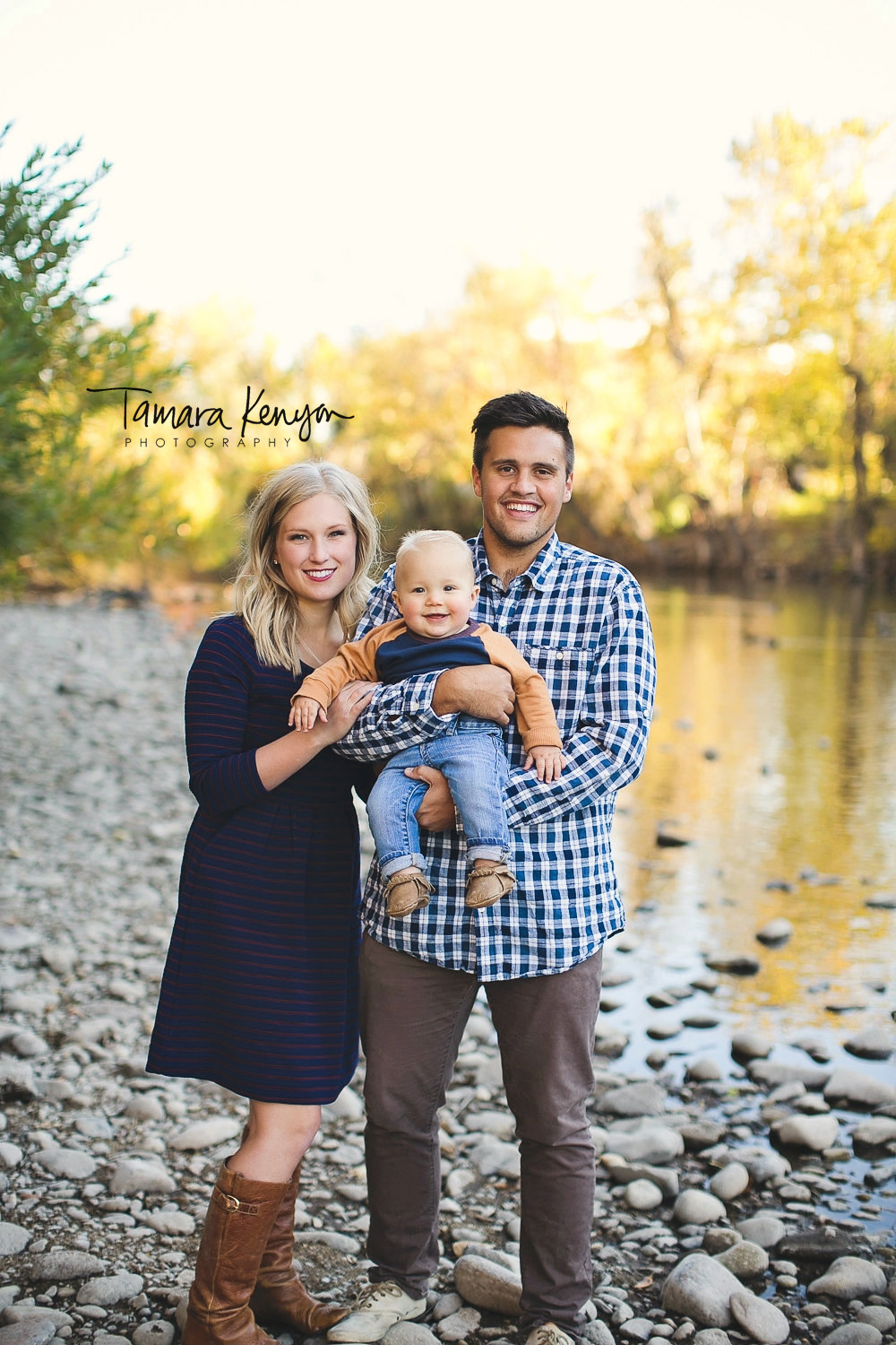 family photos by the boise river