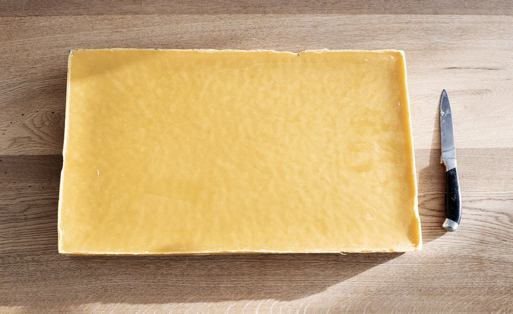 10kg beeswax block 03.jpg