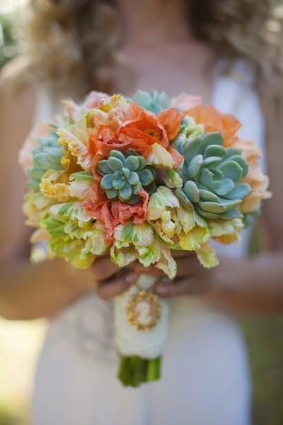 succulents in bouquet