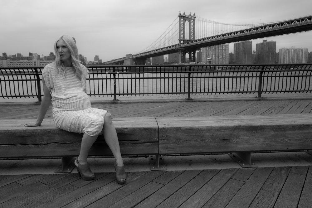 Pregant-blond-women-brookbridgepark.jpg