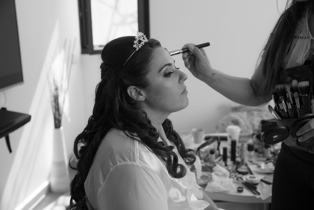 Bride-getting-ready-eye-brush.jpg