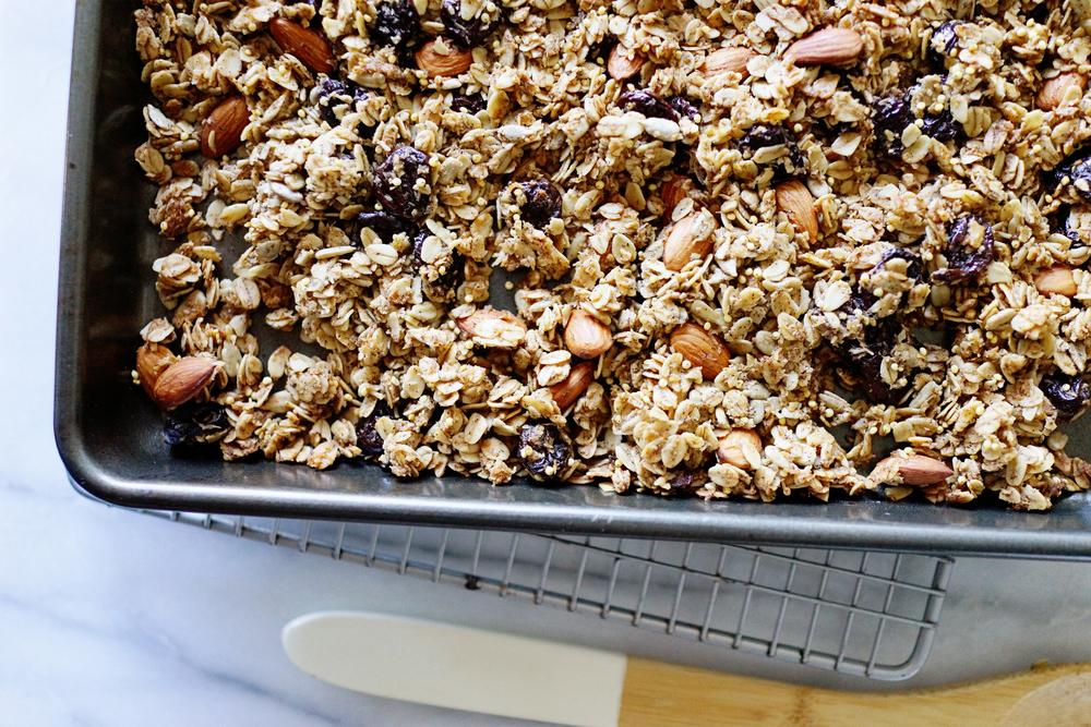 Recipe: Best Granola Ever / www.goodonpaperdesign.com / @good_on_paper