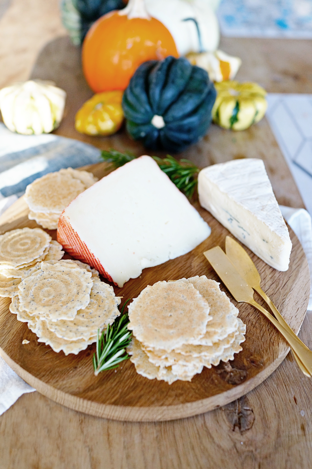 Favorites: Fall Cheese Plate with 34 Degrees Crisps  /  goodonpaperdesign.com/blog  /  @good_on_paper