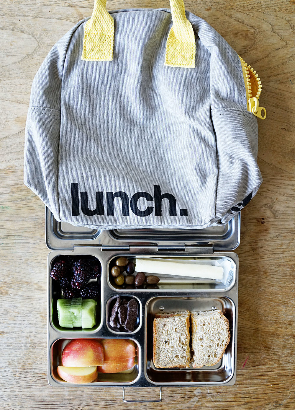 Favorites: School Lunches With Fluf Lunch Bags  /  www.goodonpaperdesign.com/blog/2017/3/27/favorites-school-lunches-with-fluf-lunch-bags  /  @good_on_paper