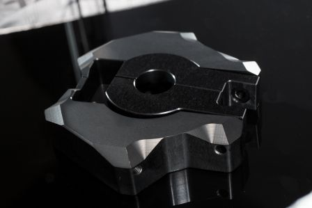 金屬噴頭雲台,使列印精度保持穩定。