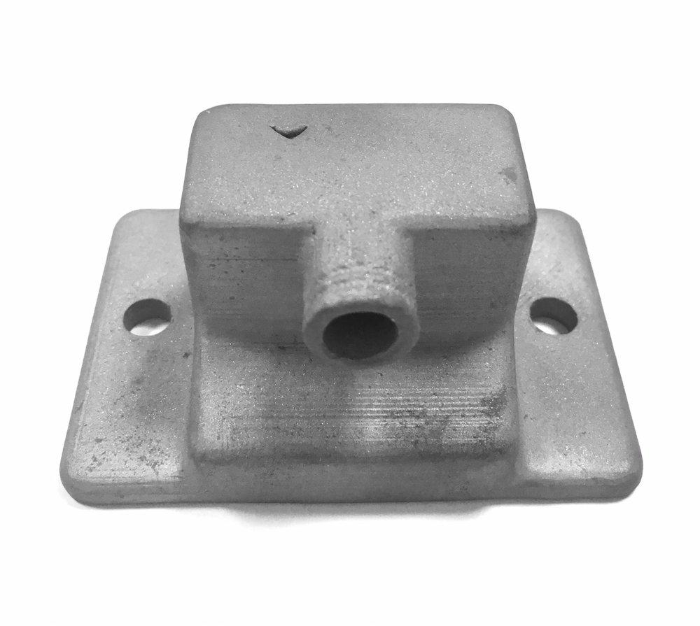 經過包模脫PLA鑄造成鑄鐵材質。