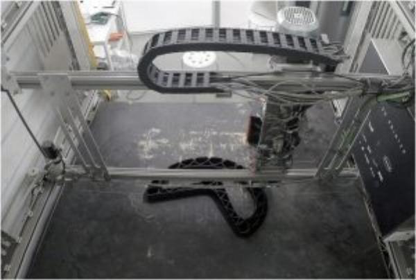 街道傢俱「The XXX」的3D列印過程。(圖片來源:The New Raw)