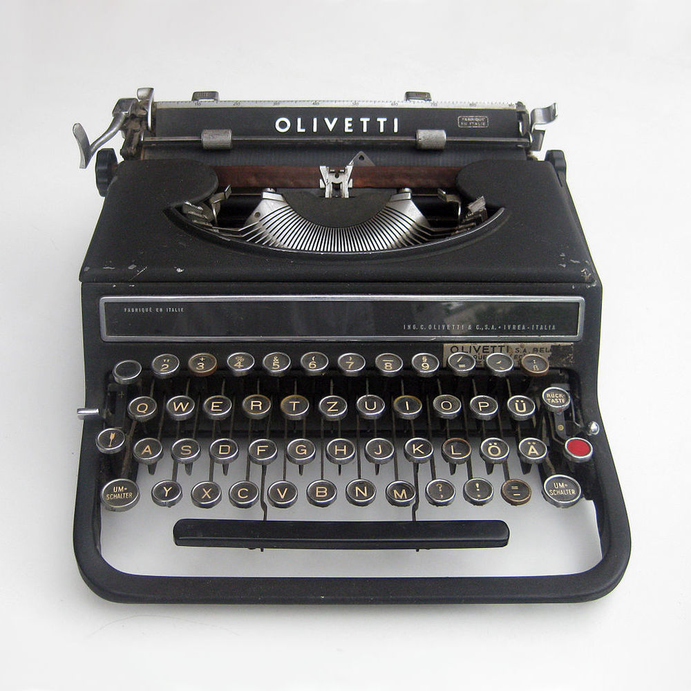 Alexander Schawinsky,  Typewriter Olivetti Studio 42 , 1936.