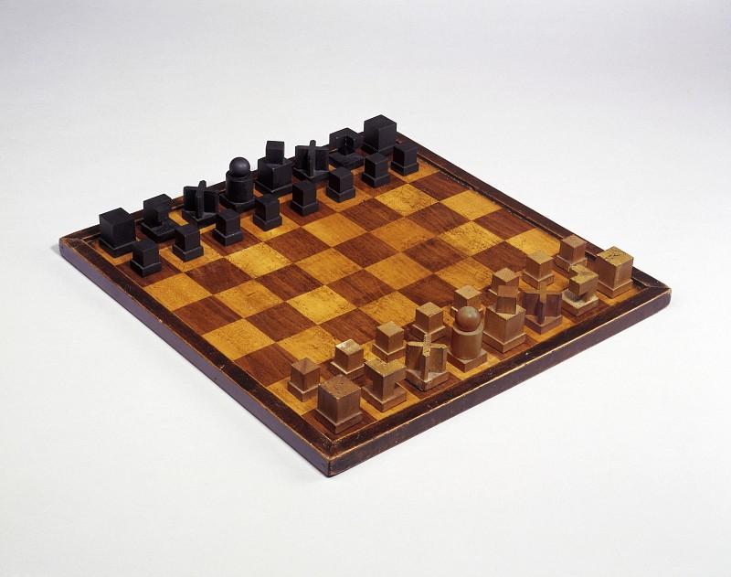 Josef Hartwig,  Bauhaus chess set , 1923/24.