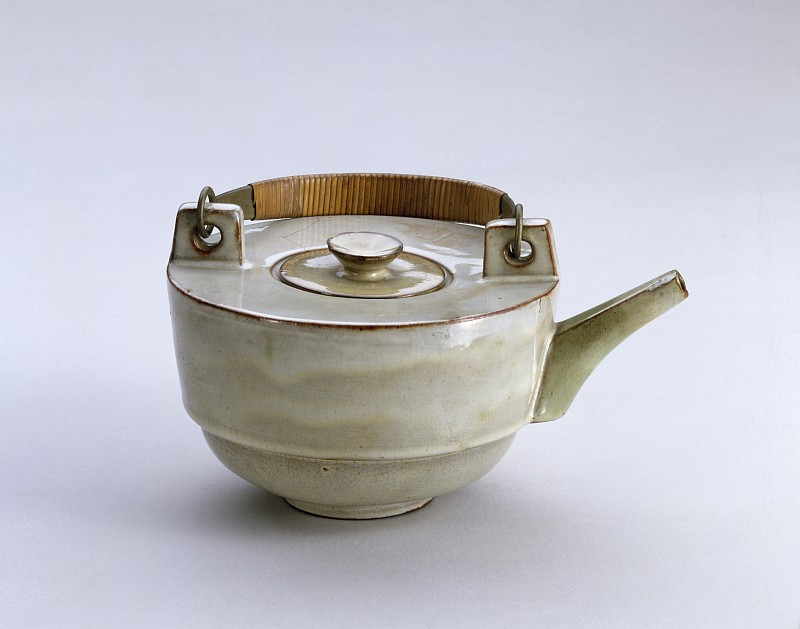 Theodor Bogler, Combination teapot with braided metal handle (L6), 1923.