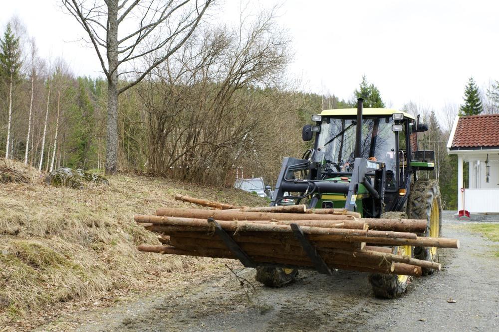 Traktor-tømmer
