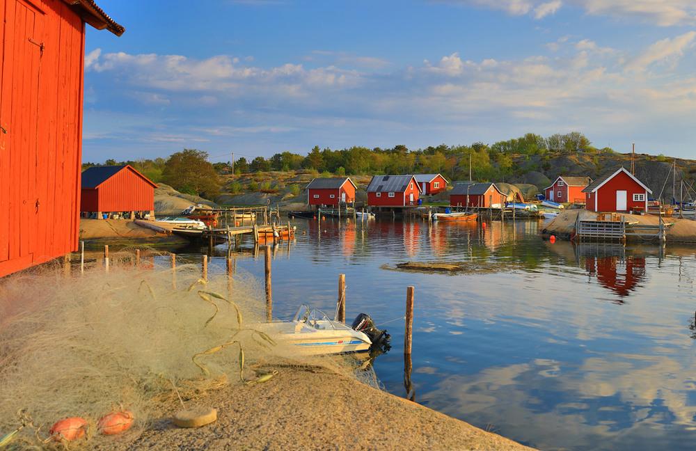 Langero på Papper. Tar du innlosjering på den nye kystledhytta,  Rekefabrikken, så får du denne vakre og rustikke utsikten.