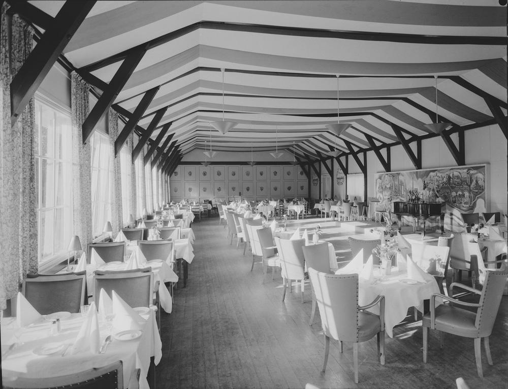 Motivet er fra spisesalen i 1956. Fotograf: Jac Brun.