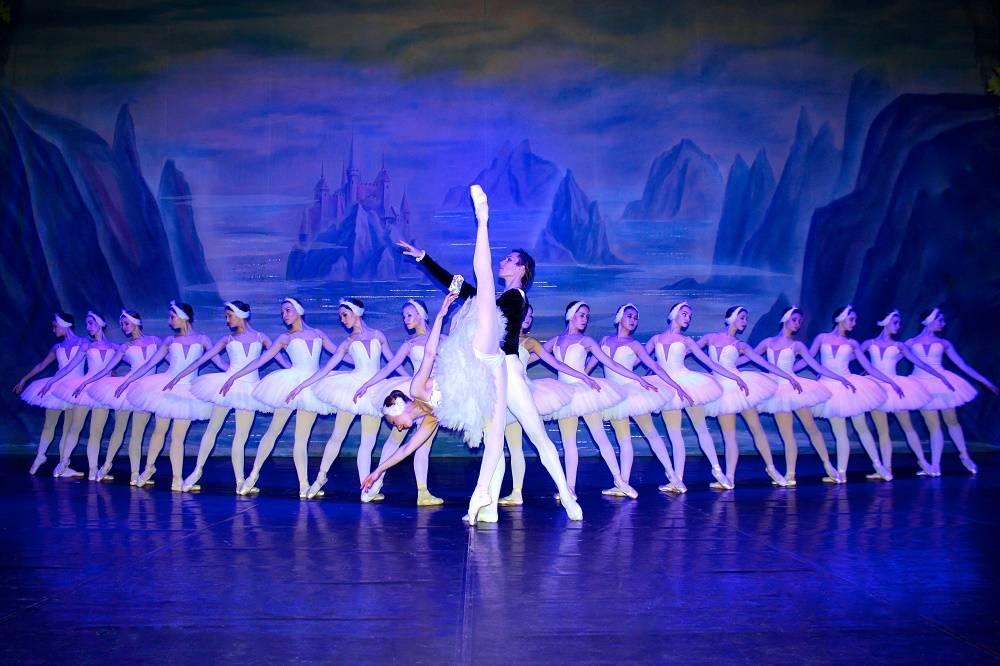 Russiske nationale ballett- Svanesjøen.jpg