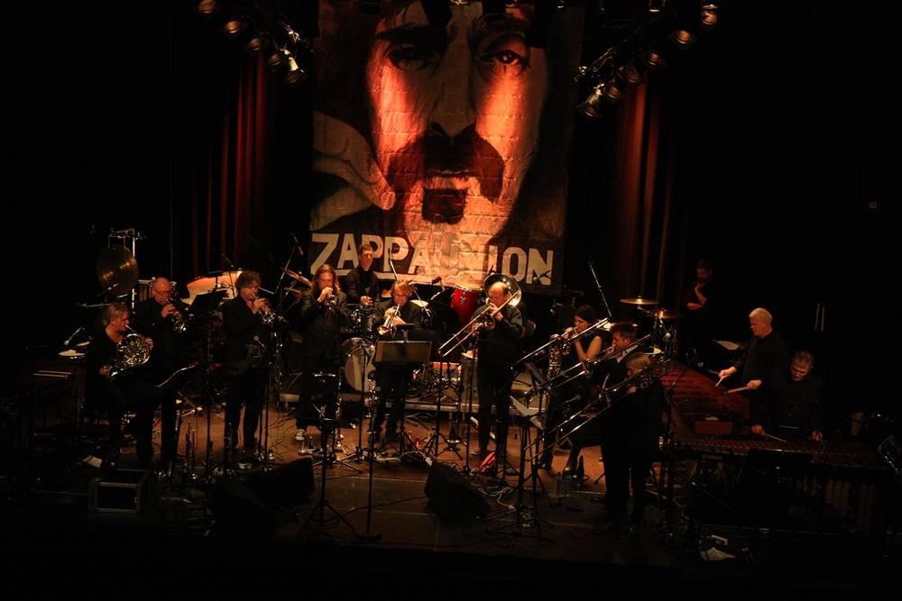 Zappa -Cosmopolite 2015 -4.jpg