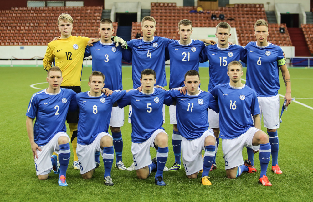 The starting XI in St.Petersburg, Flora's Brent Lepistu with captain armband (Com-cup.com)