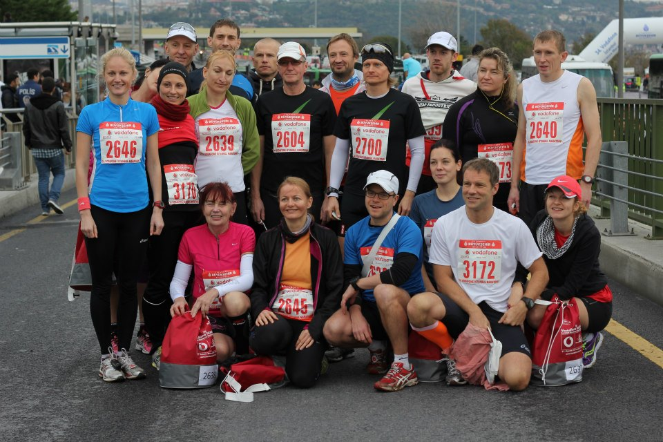 Janno Kaljuvee at the end of the Istanbul marathon, first from top right with nr. 2640 (Jooksuportaal.blogspot.com)
