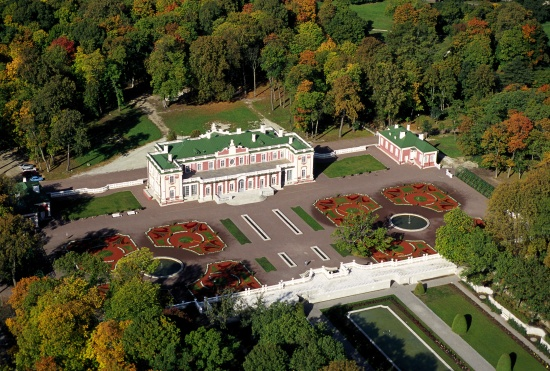 The Kadriorg Castle withing the same park