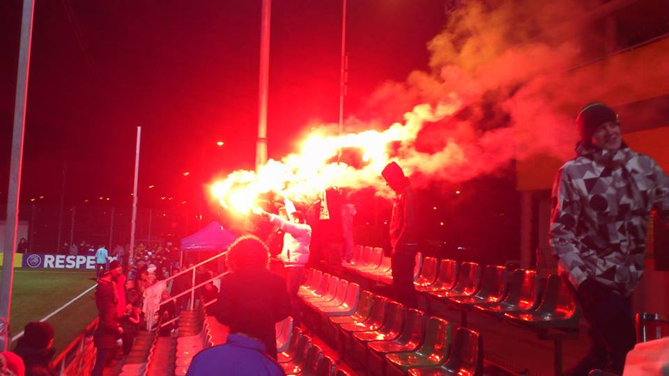 Levadia fans pyro at the end of the game to greet their squad (Deni Delev - RdS)
