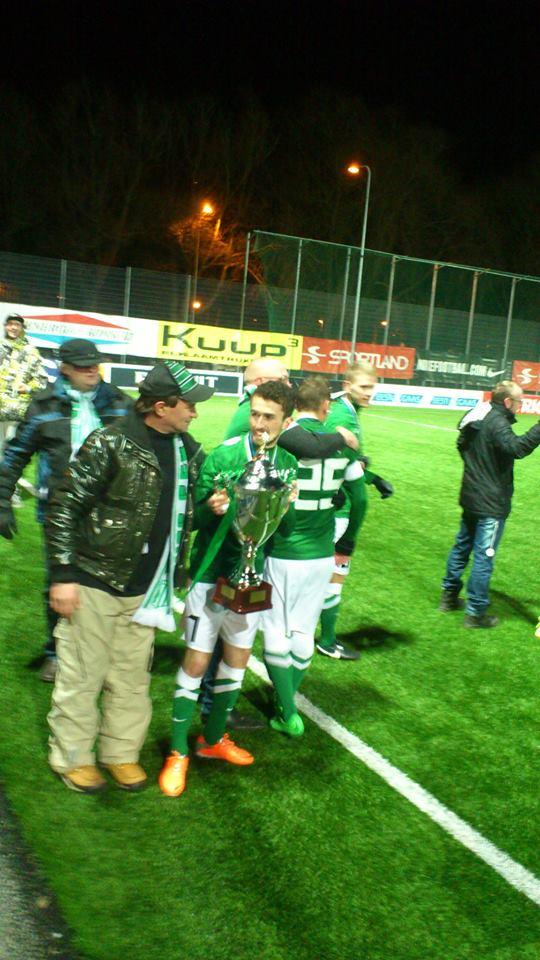 Zacaria Beglarashvili celebrating with supporters (Deni Delev - RdS)