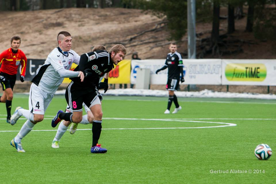Last man foul, red card (Gertrud Alatare)