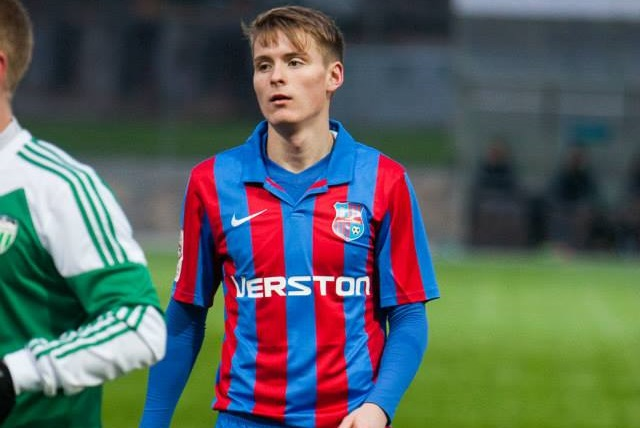 1. The nicest kit of 2014 season it is the red-and-blue striped of Paide Linnameeskond embellished by the polo neck. Must-have for collectors! (Paide Linnameekond Facebook)