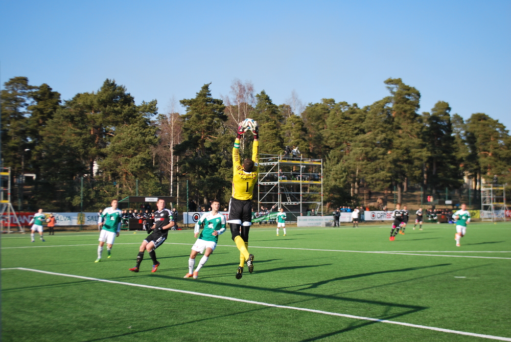 Another aerial catch for Smiśko: unbeatable in the air
