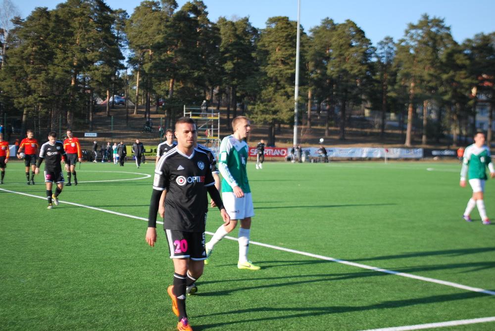Fabio Prates leaves the pitch