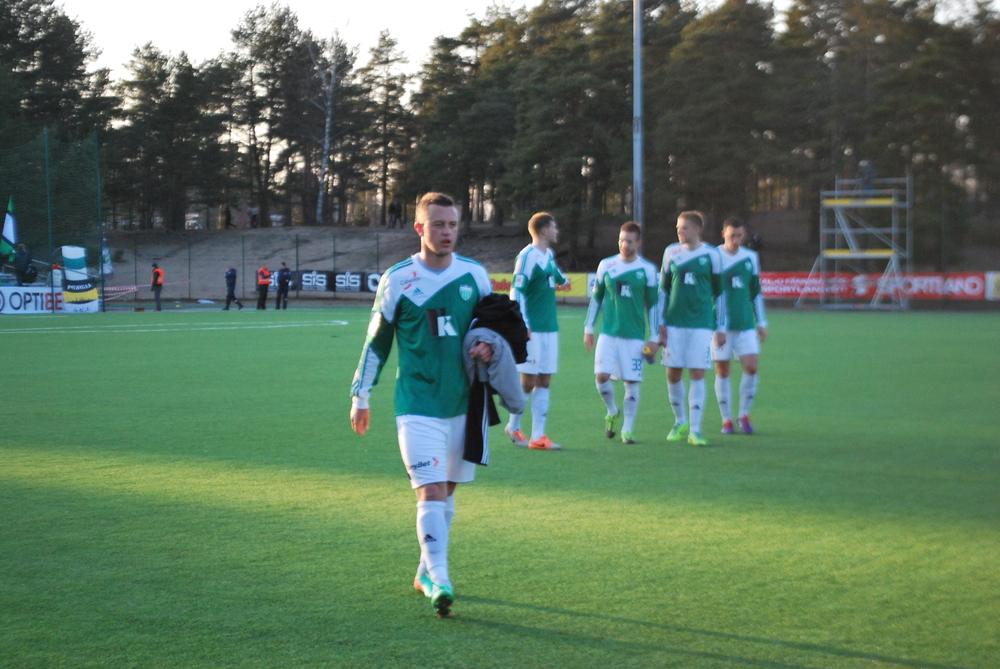 Lithuanian Arsenij Buinickij replaced Rättel in second half