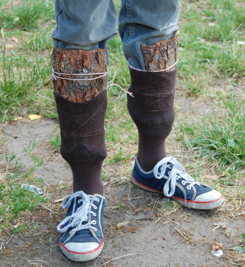 Alright for the shin protections, but what about the shoes? (fcflora.ee)