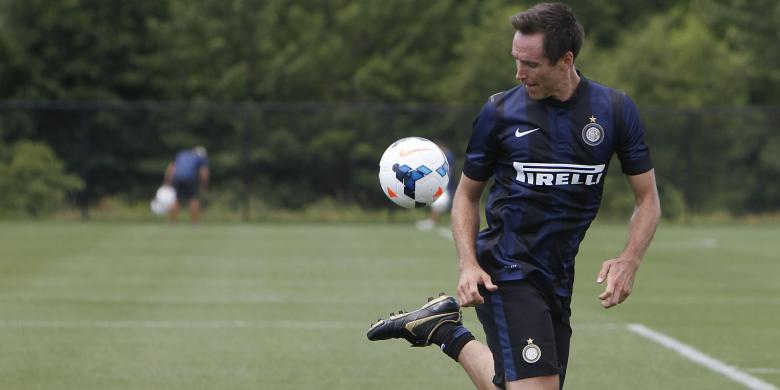NBA player, Steve Nash, and his insane passion for football that brought him to train with FC Internazionale. Apparently, he is really good.