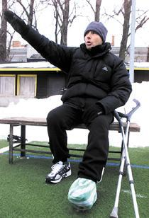 Franco Pancheri directing a training after the injury