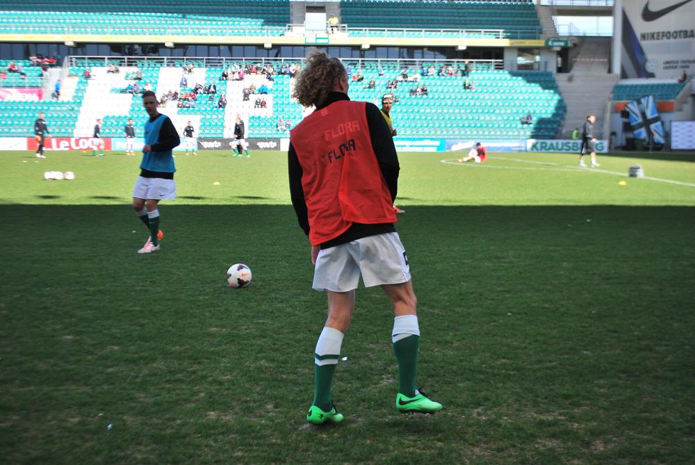 Rauno Alliku during warm-up