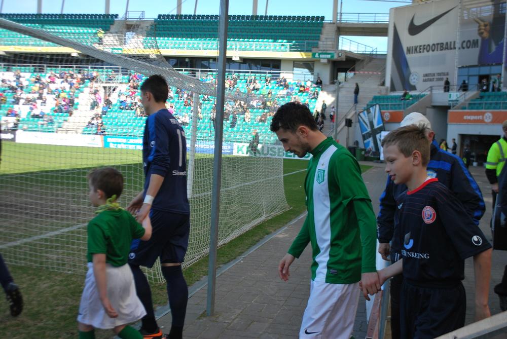 Zaxara Beglarishvili concentration upon entering the pitch
